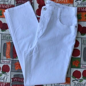 Style and Co Slim Leg White Stretch Jeans Sz 10P